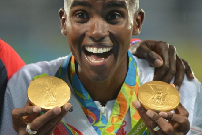Farah at the 2016 Olympics podium with his two gold medals